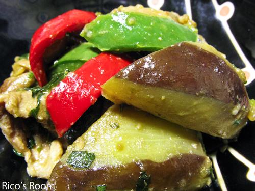 こどもピーマンと秋茄子を頂戴したので、味噌炒め煮を作ったよ♪