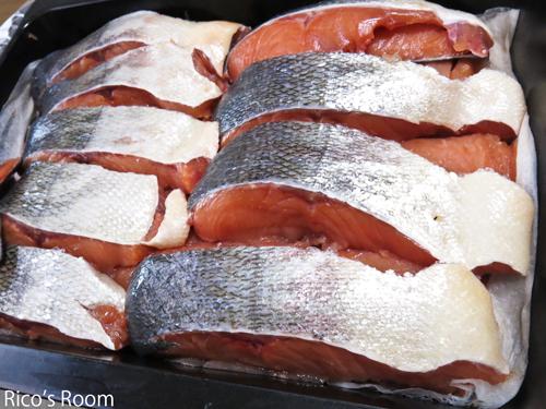 R 秋鮭初物!今年も、酒田沖で秋鮭が獲れ始めましたよ♪