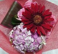 プレゼントのお花を残しました。