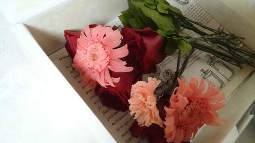 記念のお花をプリザ花加工にも。