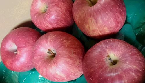 蜜入りのりんご