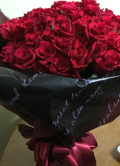 108本の薔薇の花束