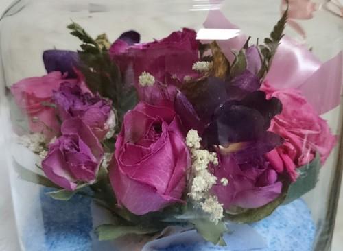 色を染めずに花を残します。