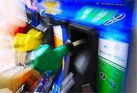ガソリン車に軽油「動かない」 セルフ式 トラブル多発 川柳
