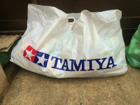 【脚がシャア専用】タミヤの袋とサイクリング日焼け