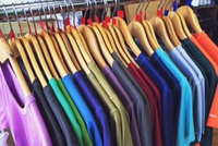 Tシャツ安くしちゃおっかなー。
