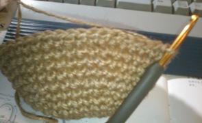 マルシェかご編み中