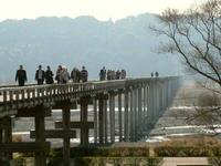 蓬莱橋を往復するのは大変です