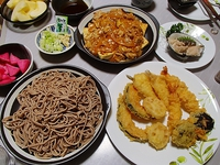 年越しそば・天ぷら・肉豆腐・つぶ貝刺身・赤かぶ漬 2018/01/07 07:43:57
