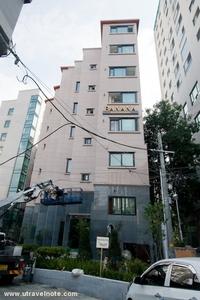 長期滞在者の方も大歓迎!日韓夫婦が営むリーズナブルホテル!