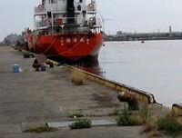 酒田港の釣り人・・・